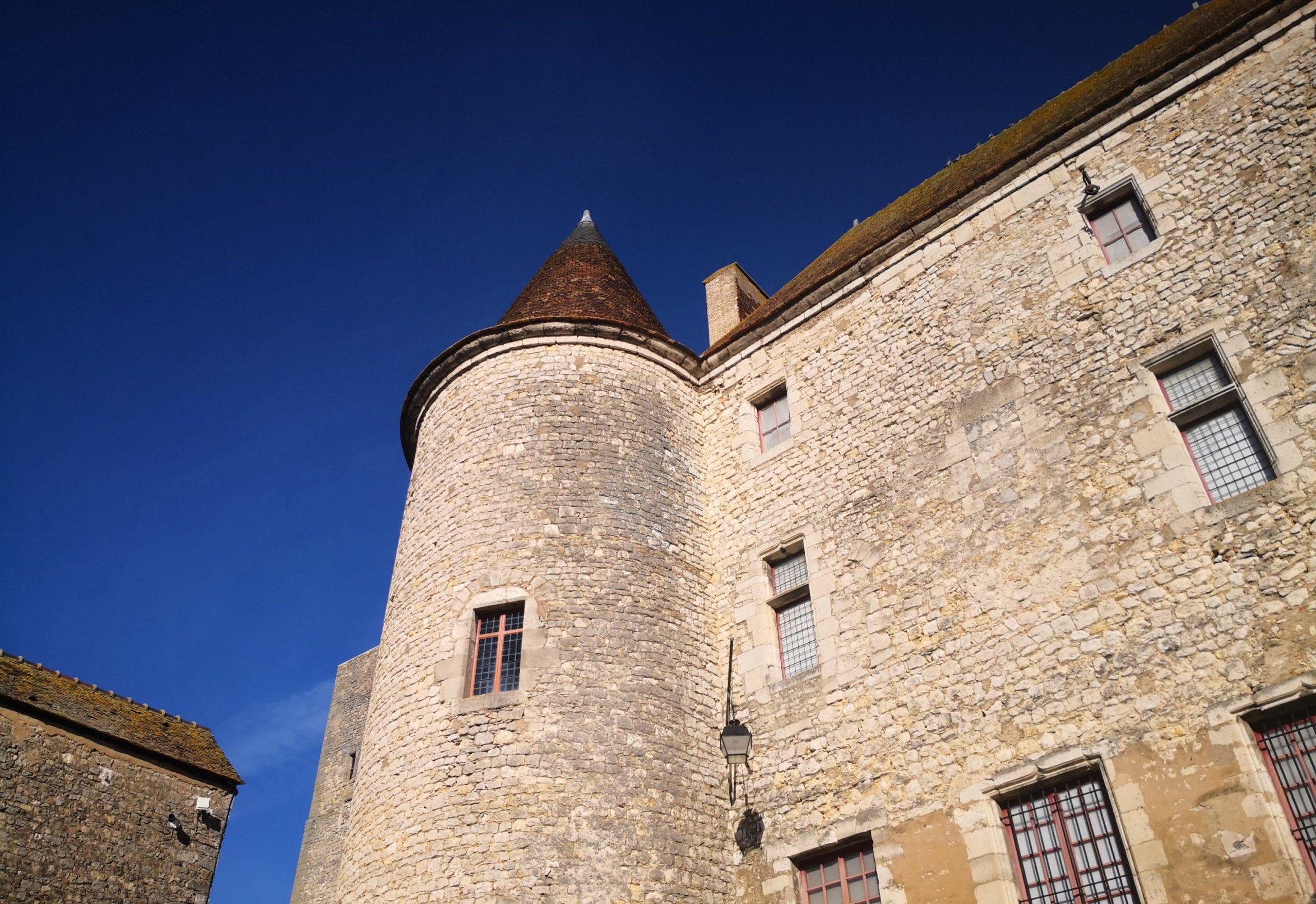 Château médiéval de Nemours