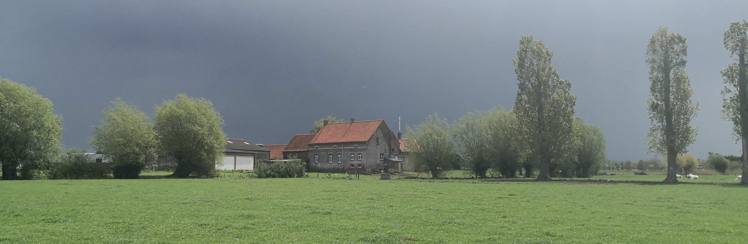 Oostvleteren encore une ferme avec une cave à fenetres
